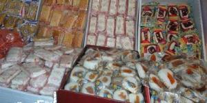 نيابة مينا البصل....التحفظ على 200 ألف قطعة حلوى المولد بدون بيانات بمصنع