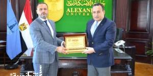 رئيس جامعة بنغازي الليبية يزور «الإسكندرية» لبحث سبل التعاون العلمي والأكاديمى