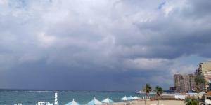 """شواطئ وأحياء  الإسكندرية ترفع شعار """"الشتاء قادم"""" استعدادا لنوة المكنسة"""