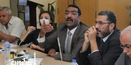 بالغرفة التجارية: الشيمي يجتمع مع تجار حلقة السمك بحضور نائب محافظ الإسكندرية