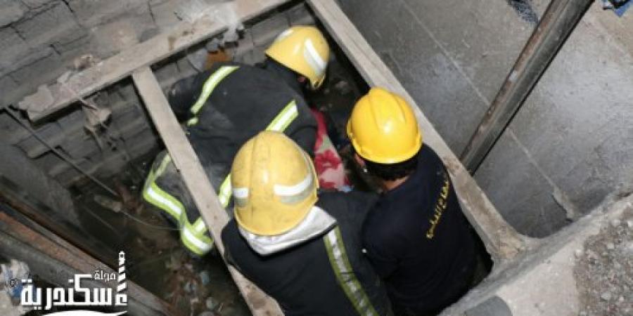سقوط مصعد عقار بدائرة قسم شرطة ثان المنتزه فى الإسكندرية