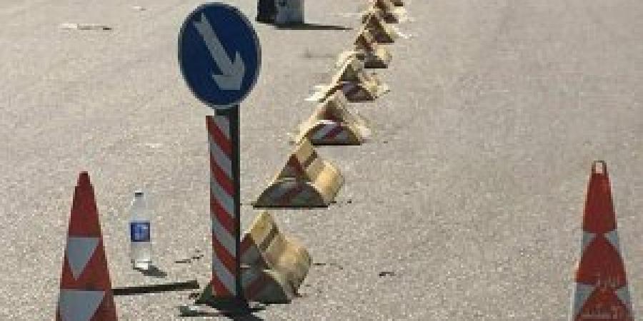 أعمال تركيب العلامات التحذيرية حرصاً على سلامة المواطن بالإسكندرية