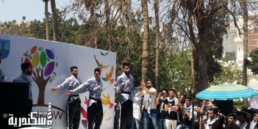 القنصلية الفلسطينية تشارك بمنتجات وطنية وتراثية فى مهرجان أنشطة طلاب جامعة الإسكندرية