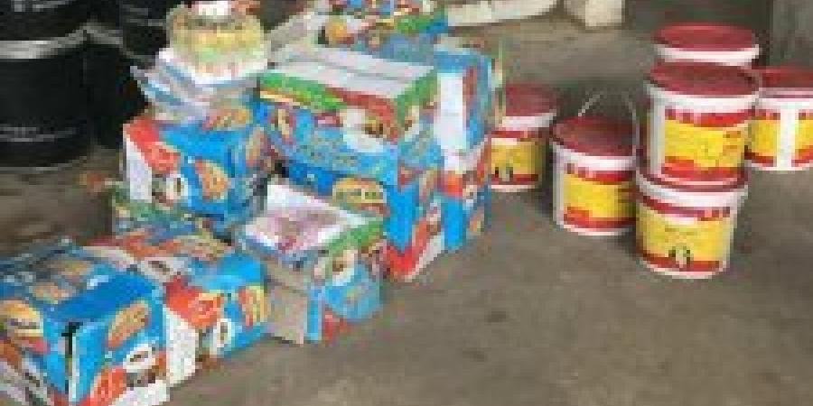 ضبط صاحب مخزن سلع غذائية غير صالحة للإستهلاك الآدمي فى كينج مريوط
