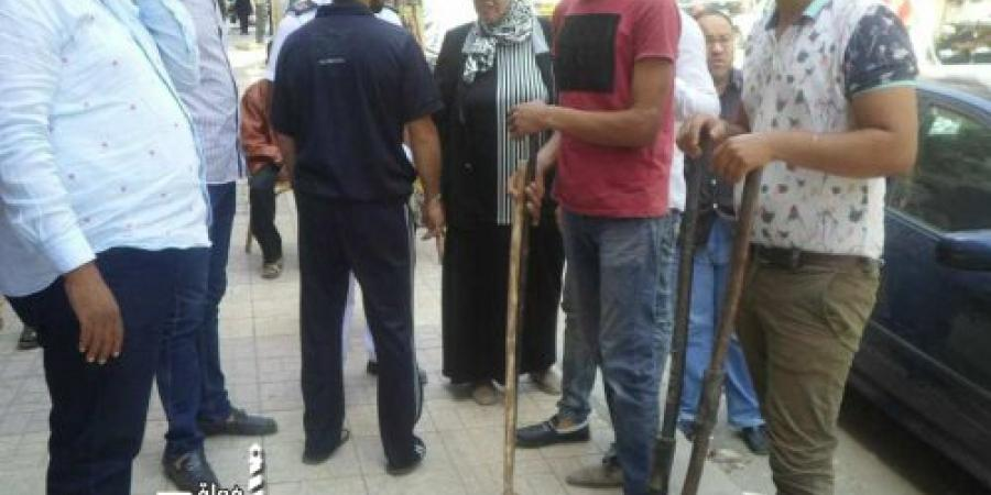 حملة لإزالة خطورة ناتجة عن سقوط أجزاء من بلكونة بعقار فى منطقة كرموز بالإسكندرية