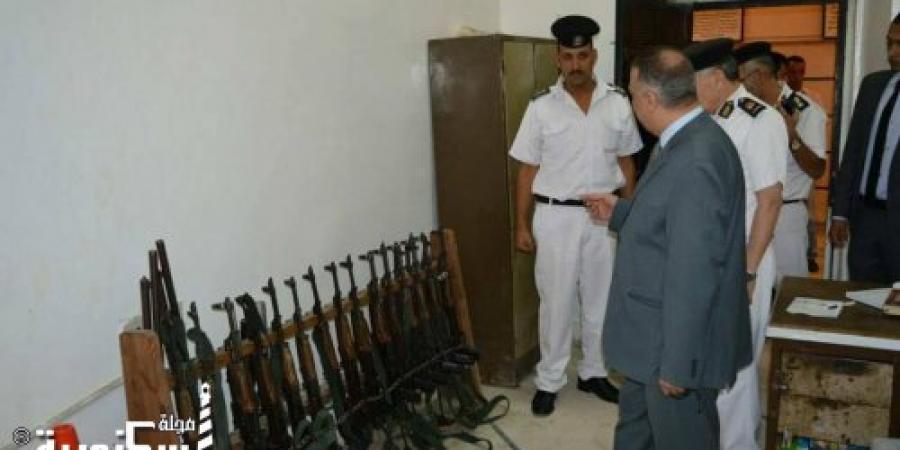 مدير أمن الإسكندرية يتفقد سير العمل داخل قسم شرطة اللبان بالإسكندرية