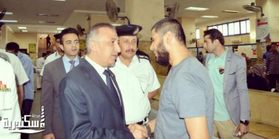 مدير أمن الإسكندرية يتفقد سير العمل بوحدة مرور محرم بك