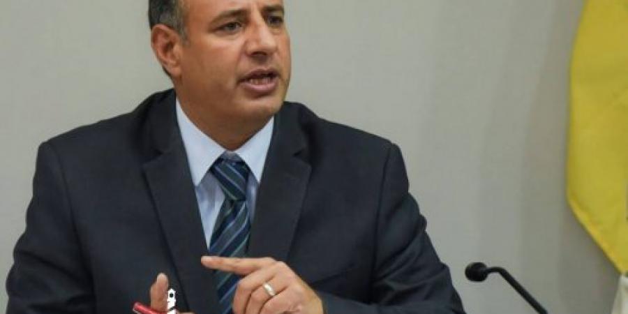 """محافظ الإسكندرية يطلق مبادرة """"خليك إيجابي"""" للإبلاغ عن مخالفة التعريفة الجديدة لسيارات الأجرة"""