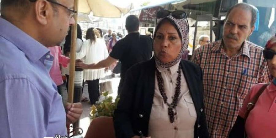 بهية عبد الفتاح تتفقد كافيتريات كورنيش الإسكندرية فى محيط حي وسط للتأكيد علي الإلتزام بعدم إشغال الرصيف بأكثر من صف