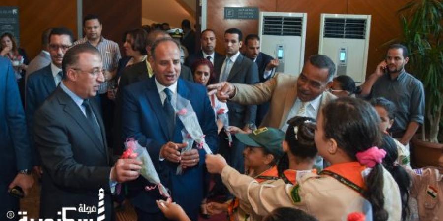محافظ الإسكندرية يتفقد ورش العمل المقامة احتفالا بعيد اسكندرية القومي