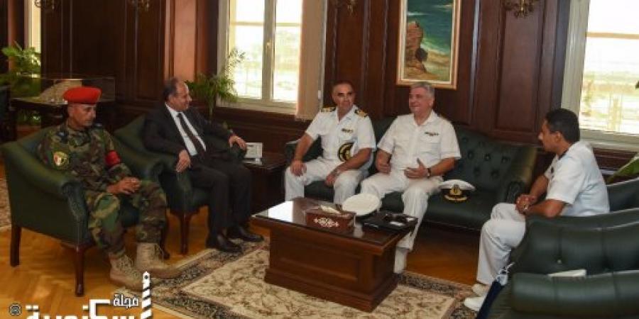 """محافظ الإسكندرية يستقبل قائد السفينة البحرية اليونانية """"بروموثيوس"""" و الملحق العسكري اليوناني."""