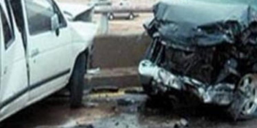 وقوع حادث تصادم ومصابين بالطريق الصحراوي منطقة الكيلو ٢١ تجاه القاهرة