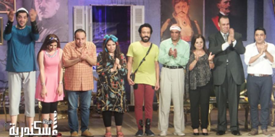 """بعد النجاح الساحق لمسرحية """"عربي منظرة """" خلال فترة الصيف يتم عرضها طول العام"""