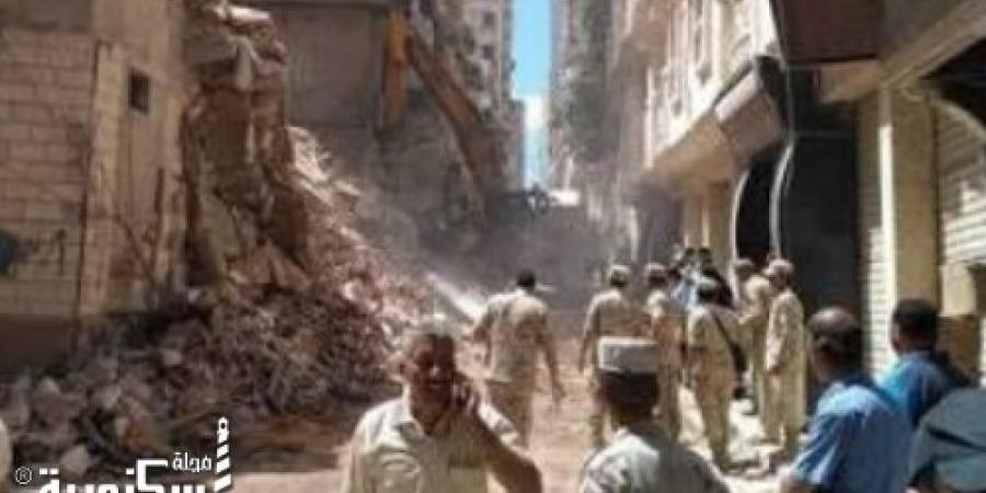 سقوط أجزاء من عقار  بمنطقة غيط العنب في الإسكندرية
