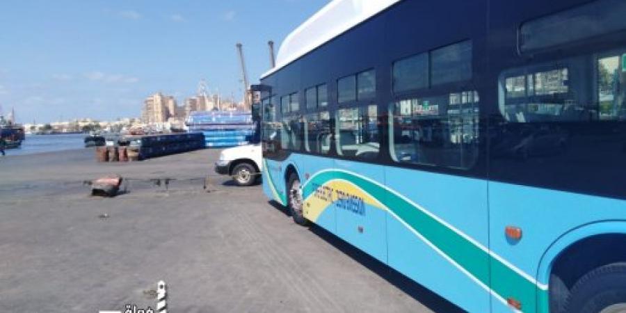 وصول أول أتوبيس يعمل بالطاقة الكهربائية إلى ميناء الإسكندرية